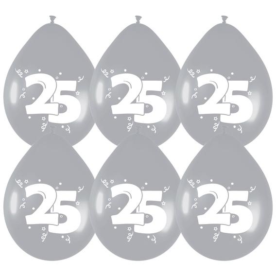 Ballonnen 25 jaar monochroom