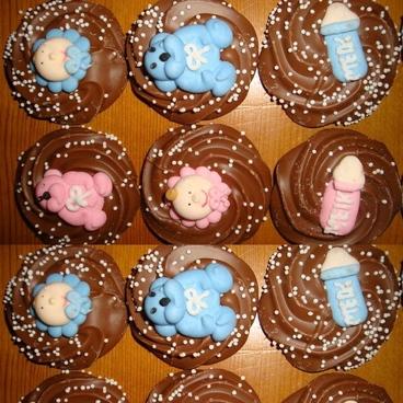 Luxe geboorte chocolade met figuurtjes