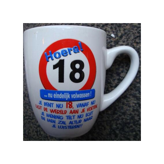 Mok 18 jaar verkeersbord