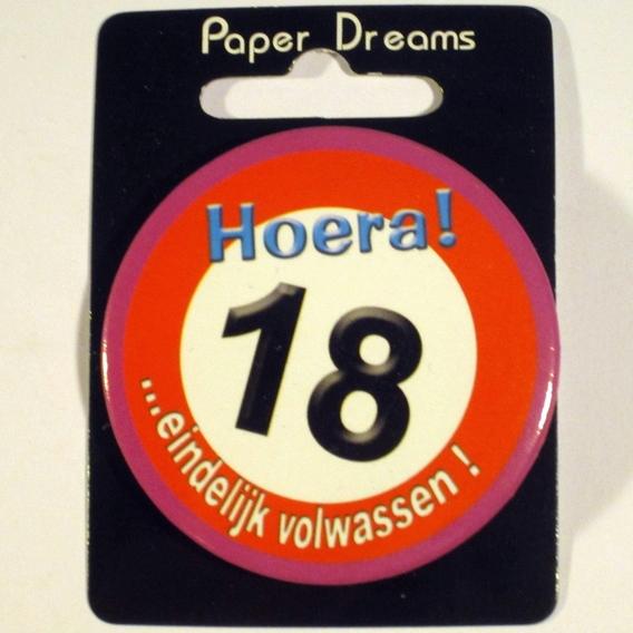 Button Hoera 18