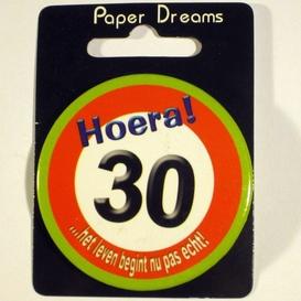 Button Hoera 30